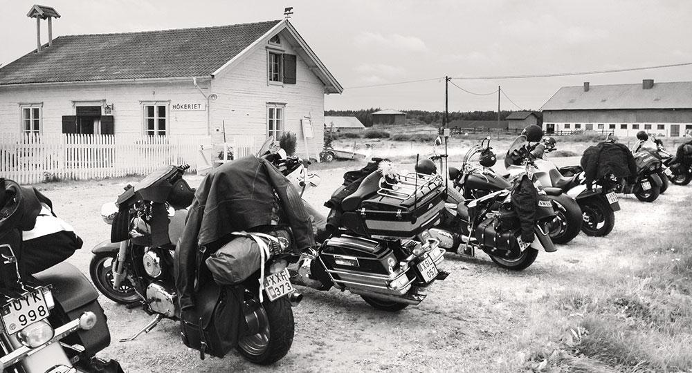 Motorcycles outside Hökeriet