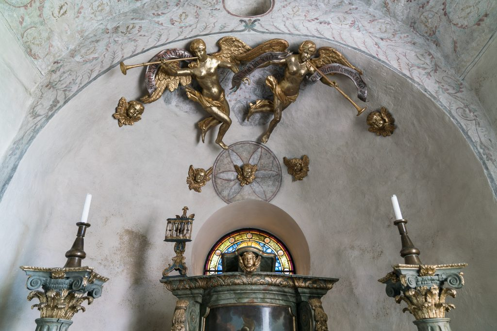 Interior Orchesta church